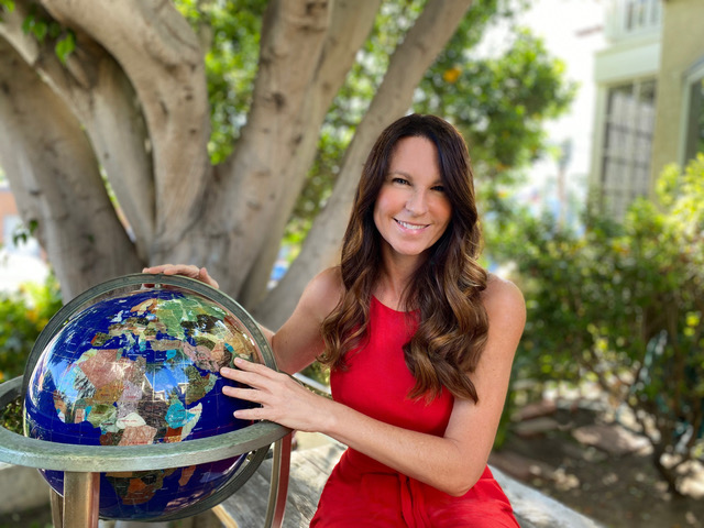 We sit down with Elissa Fisher Harris, CIO at 5th Element Group, and host of A World On Purpose Podcast to discuss positive social impact.
