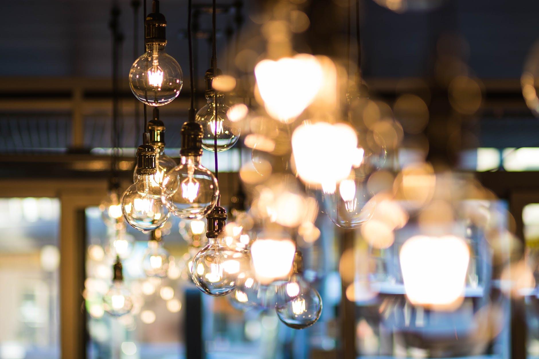 shallow focus photograph of pendant lamp